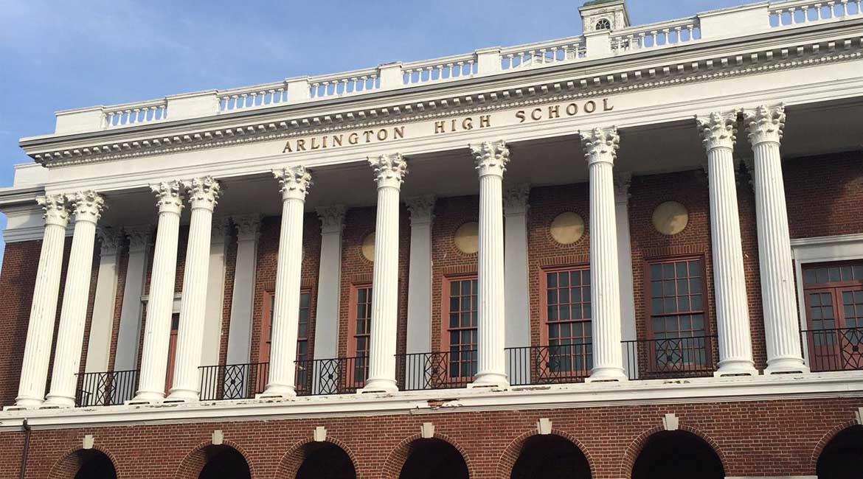 truong-Arlington-High-School-Boston-Myco-so-vat-chat
