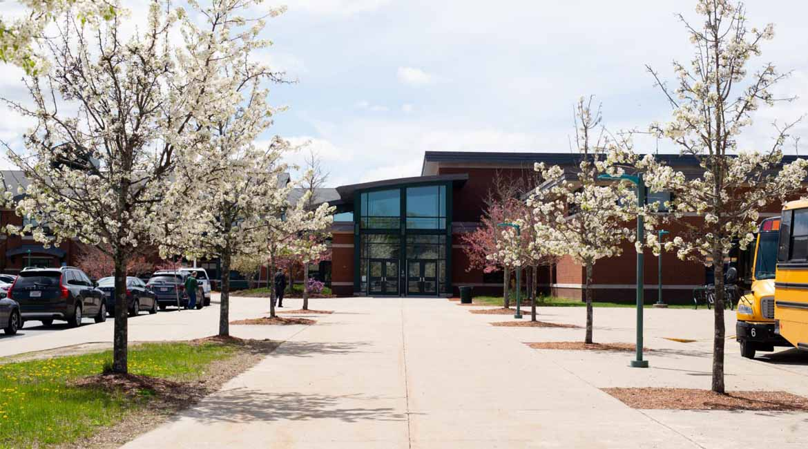 truong-Hopkinton-High-School-boston-8