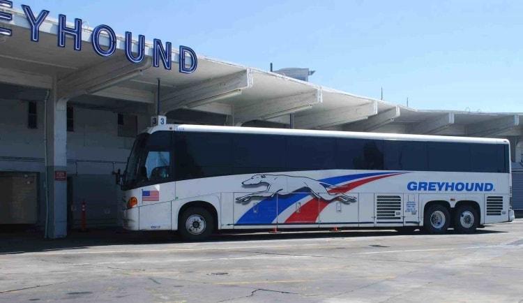 xe-bus-phuong-tien-di-chuyen